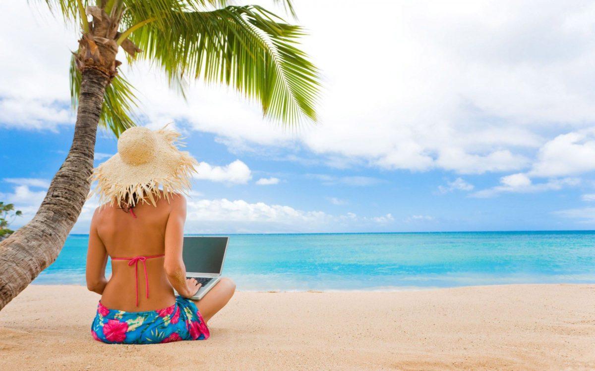 5+1 професии, които ни позволяват да живеем цяло лято на морето