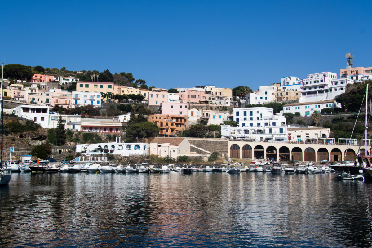 От Сардиния до Сицилия. По вода.